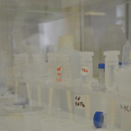 Columns for isotopic analysis preperation